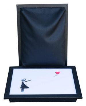 Banksy-Schootkussen-Meisje-met-Hart-ballon-wit