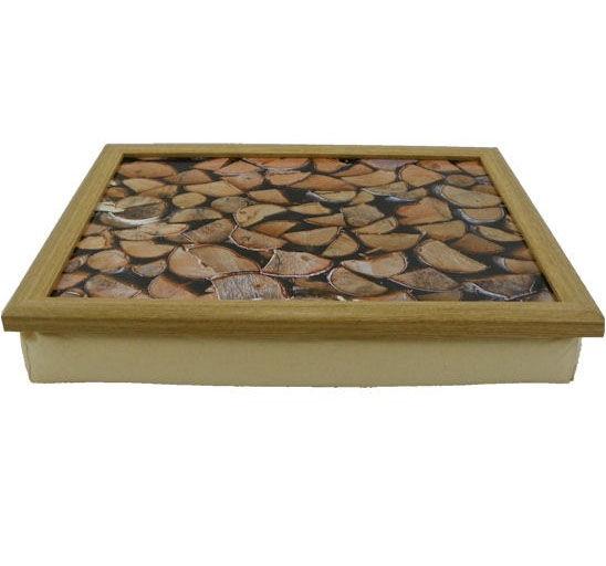 Laptray met foto van houtblokken en ecru schootkussen