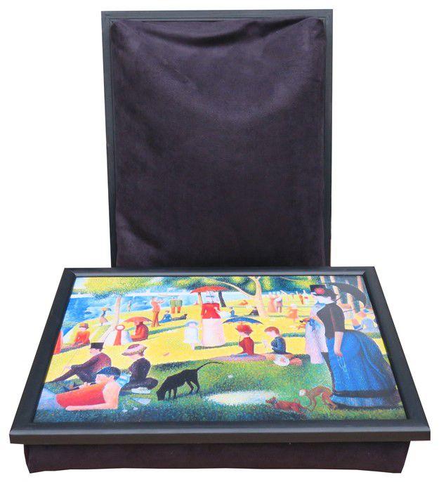 Laptray met afbeelding van schilderij Sunday at the Park en zwart schootkussen