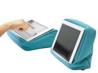 turquoise iPadkussen met binnenvak voor tablet en accessoires