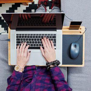 Laptoptafel-bamboe-muismat-ventilatiegaten